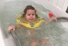 Eliška-a-plavání