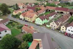 Letecký snímek obce Křenovy